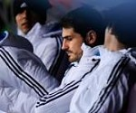 th-165-casillas-bench.jpg
